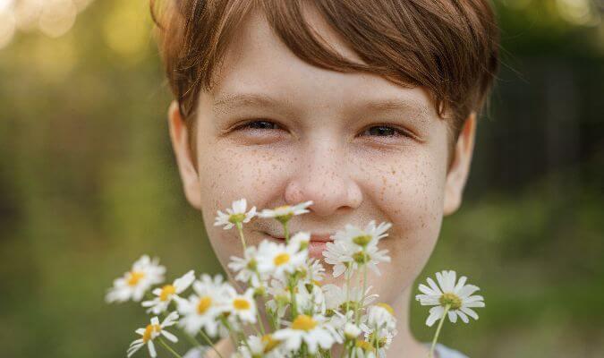 huele las flores
